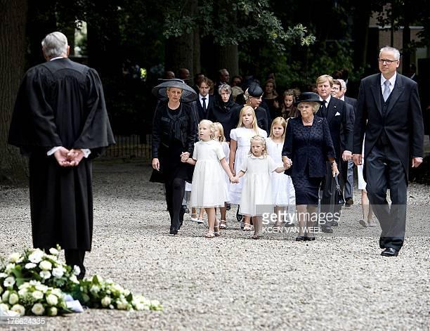 Domine Carel ter Linden Princess Mabel Princess Luana King Harald V of Norway Princess Zaria Princess Amalia Prinses Beatrix and King WillemAlexander...