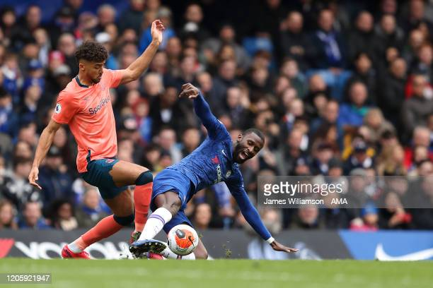 Dominic CalvertLewin of Everton and Antonio Rudiger of Chelsea during the Premier League match between Chelsea FC and Everton FC at Stamford Bridge...