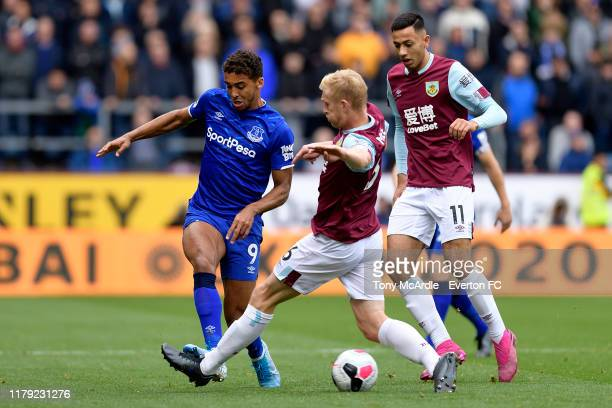 Dominic Calvert-Lewin of Everton and Ben Mee challenge for the ball during the Premier League match between Burnley v Everton at Turf Moor on October...