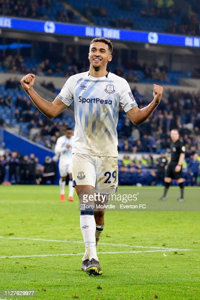 Dominic CalvertLewin of Everton celebrates his goal during the Premier League match between Cardiff City and Everton at The Cardiff City Stadium on...