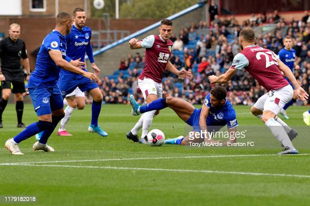 Dominic Calvert-Lewin of Everton challenges for the ball during the Premier League match between Burnley v Everton at Turf Moor on October 5, 2019 in...