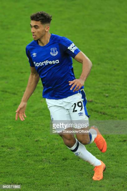 Dominic CalvertLewin of Everton in action during the Premier League match between Everton and Manchester City at Goodison Park on March 31 2018 in...