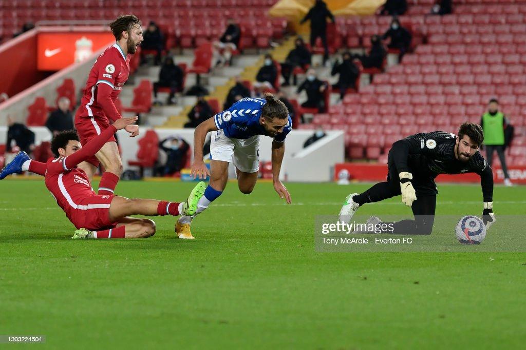 Liverpool v Everton: Premier League : ニュース写真