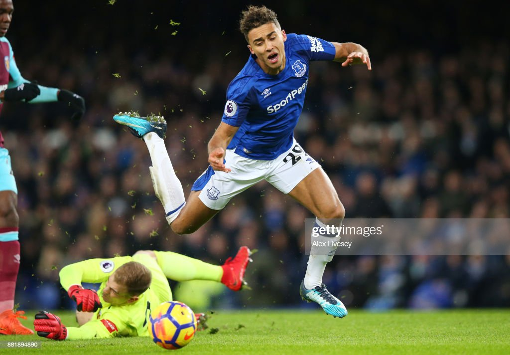 Dominic Calvert-Lewin of Everton is fouled for penalty during the Premier League match between Everton and West Ham United at Goodison Park on November 29, 2017 in Liverpool, England.