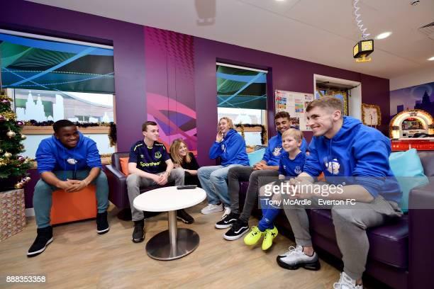 Dominic CalvertLewin Tom Davies Ademola Lookman and Jonjoe Kenny of Everton visit Alder Hey Childrens Hospital on December 5 2017 in Liverpool England