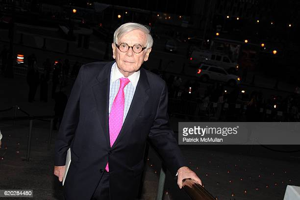 Dominic Dunne attends VANITY FAIR Tribeca Film Festival Party hosted by GRAYDON CARTER ROBERT DE NIRO and RONALD PERELMAN at The State Supreme...