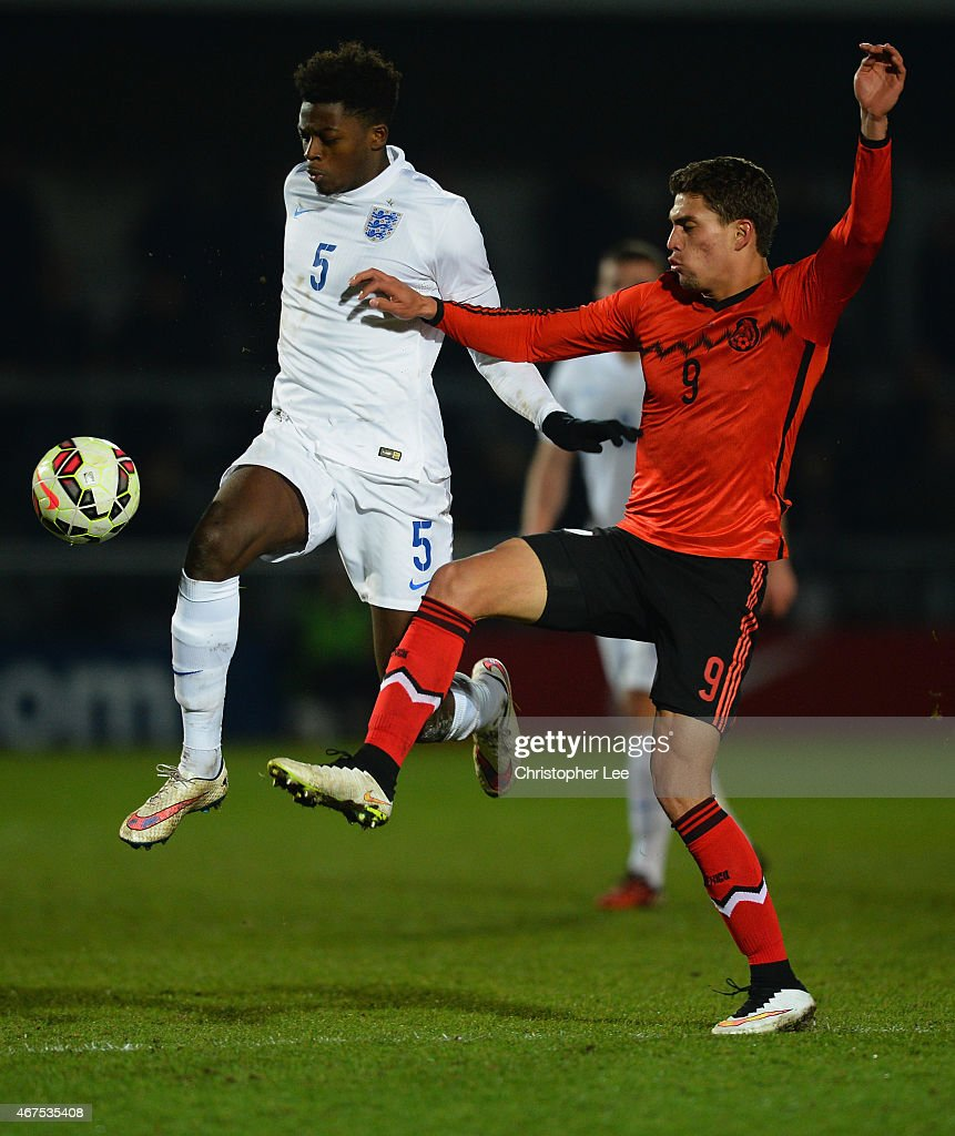 Dominic Iorfa of England wins the ball from Daniel Armando Rios Calderon of Mexico during the U20 International Friendly match between England and Mexico at The Hive on March 25, 2015 in Barnet, England.