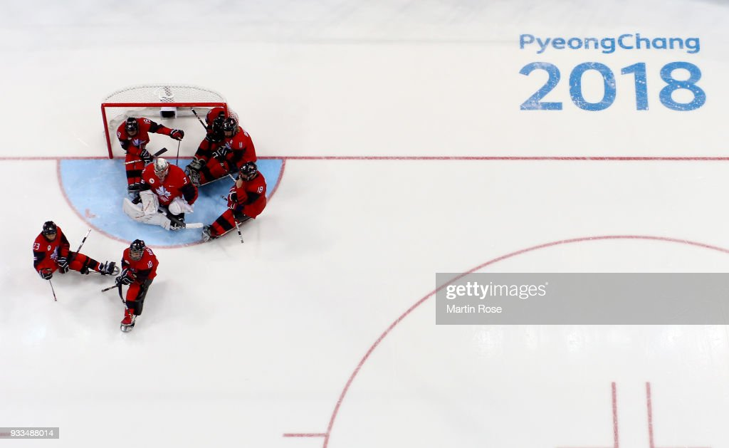 Dominic Larocque (C), goaltender of Canada and his team mates look dejected after losing the gold medal game against United States in the Ice Hockey gold medal game between Canada and United States during day nine of the PyeongChang 2018 Paralympic Games on March 18, 2018 in Gangneung, South Korea.