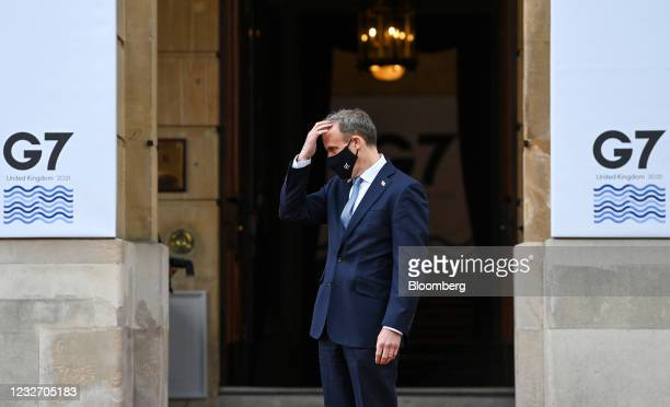 Dominic Raab, U.K. Foreign secretary, gestures as he waits to greet attendees at the G-7 foreign and development ministersmeeting at Lancaster House...