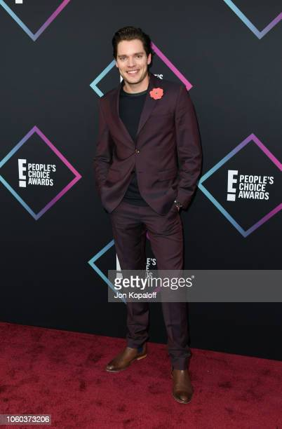Dominic Sherwood attends the People's Choice Awards 2018 at Barker Hangar on November 11 2018 in Santa Monica California