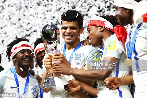 Dominic Solanke center celebrates with Ainsley MaitlandNiles and Kyle WalkerPeters of England after England defeat Venezuela 10 in the FIFA U20 World...