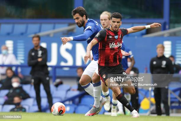 Dominic Solanke of Bournemouth holds off Andre Gomes of Everton during the Premier League match between Everton FC and AFC Bournemouth at Goodison...
