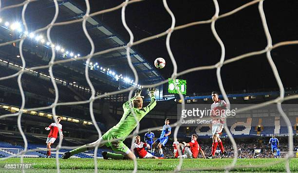 Dominic Solanke of Cheslea scores the 5th and match winning goal during the FA Youth Cup Final Second Leg match between Chelsea U18 and Fulham U18 at...