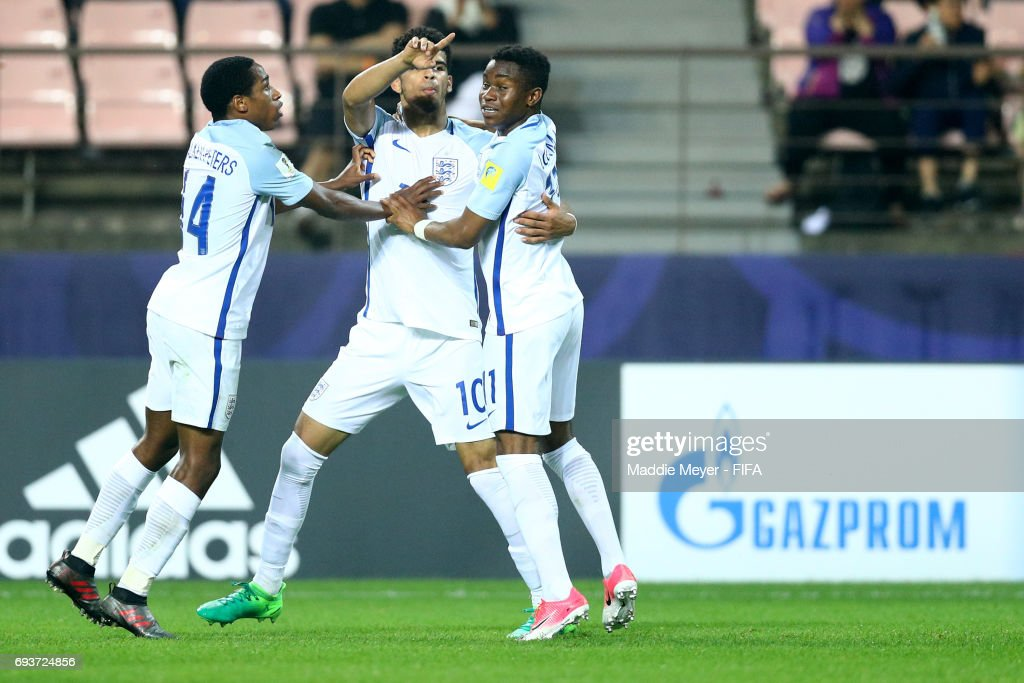 Dominic Solanke of England celebrates with Kyle Walker-Peters and Harry Chapman after scoring a goalduring the FIFA U-20 World Cup Korea Republic 2017 Semi Final match between Italy and England at Jeonju World Cup Stadium on June 8, 2017 in Jeonju, South Korea.