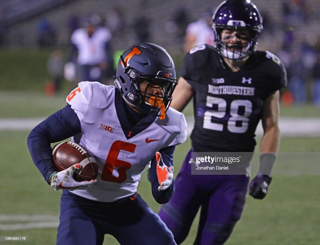 Illinois v Northwestern : News Photo