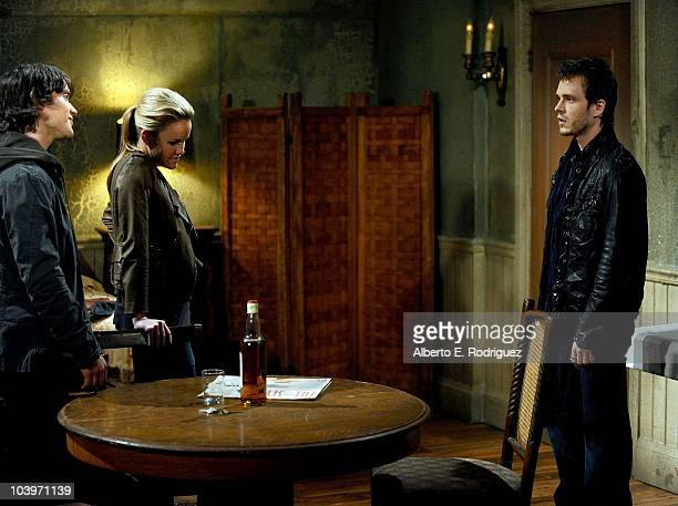 Dominic Zamprogna Julie Berman and Jonathan Jackson in a scene that airs the week of September 27th on ABC�s GENERAL HOSPITAL