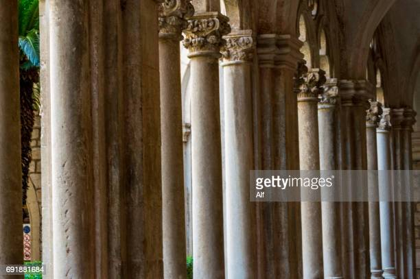 dominican friary gothic cloister detail, dubrovnik, croatia - limestone pavement stock pictures, royalty-free photos & images