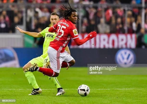 Dominik Kohr foult Renato Sanches waehrend dem Fussball DFB Pokalspiel 1/16 Finale FC Bayern Muenchen gegen FC Augsburg in der Saison 2016/2017 in...