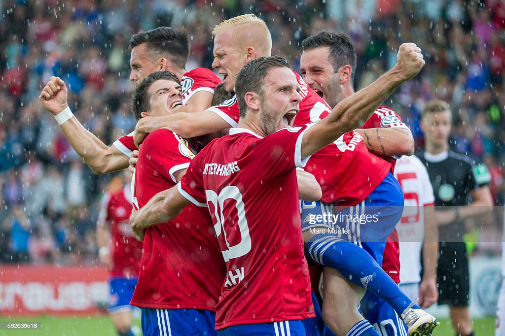 SpVgg Unterhaching v 1. FSV Mainz 05 - DFB Cup : News Photo