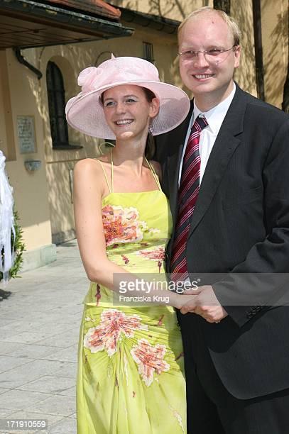 Dominik Stoiber Und Freundin Melanie Wiegand Bei Ihrer Ankunft An Der Kirche