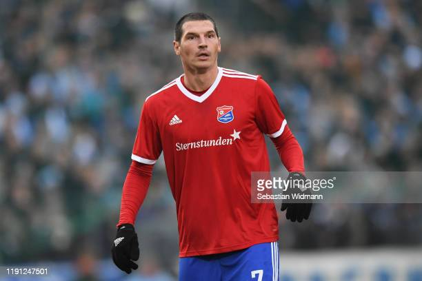 Dominik Stroh-Engel of Unterhaching looks on during the 3. Liga match between SpVgg Unterhaching and TSV 1860 Muenchen at Alpenbauer Sportpark on...