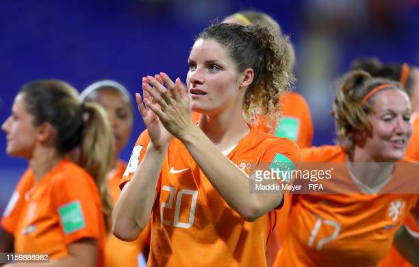 Dominique Bloodworth of the Netherlands applauds fans after the 2019 FIFA Women's World Cup France Semi Final match between Netherlands and Sweden at...