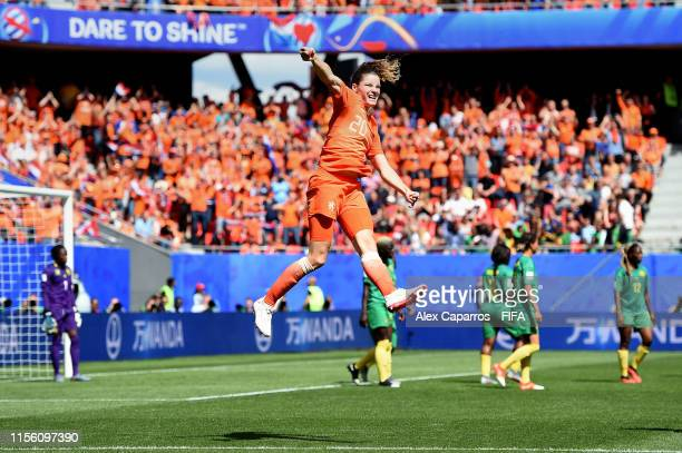 Dominique Bloodworth of the Netherlands celebrates after scoring her team's second goal during the 2019 FIFA Women's World Cup France group E match...
