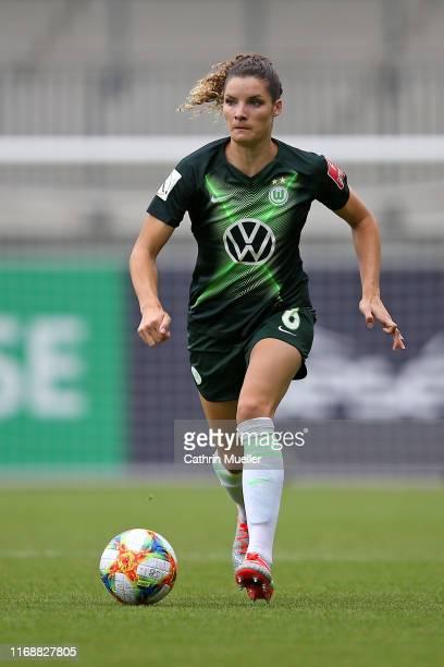 Dominique Bloodworth of VfL Wolfsburg runs with the ball during the FLYERALARM Frauen Bundesliga match between VfL Wolfsburg Women and SC Sand at...