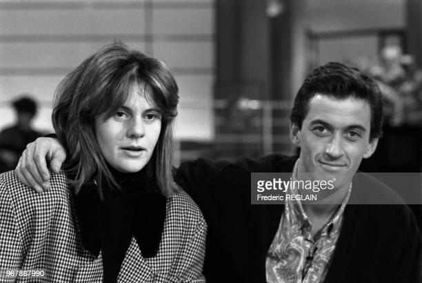 Dominique Cantien productrice de télévision et Christophe Dechavanne animateur le 25 février 1986 à Paris France