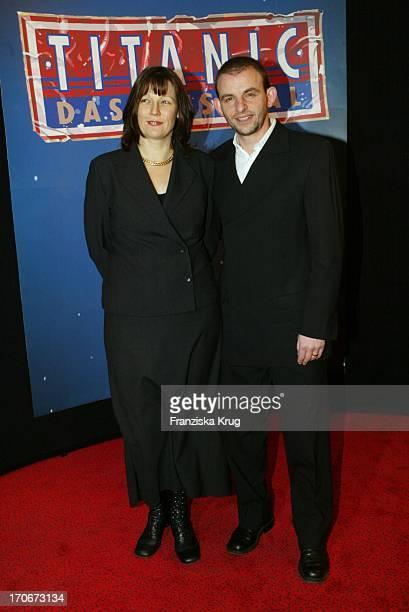 Dominique Horwitz Ehefrau Patricia Bei Der Titanic Premiere In Hamburg