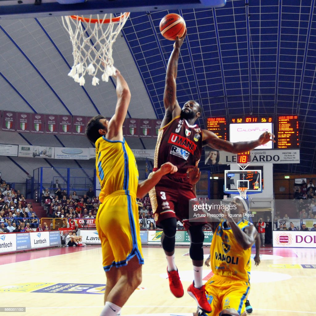 Kết quả hình ảnh cho Vanoli Basket Cremona vs Umana Reyer Venezia