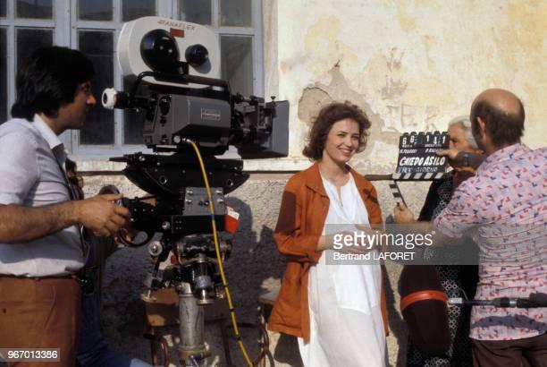 Dominique Laffin pendant le tournage du film 'Chiedo asilo' 'Pipicacadodo' de Marco Ferreri le 25 juin 1979 en Italie