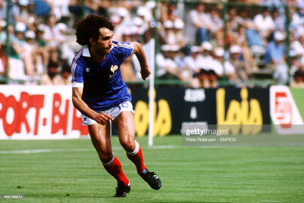 Soccer - World Cup Spain 82 - Group Four - France v Czechoslovakia : News Photo