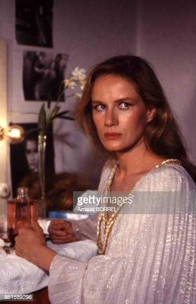 Dominique Sanda sur le plateau du film 'Les Mendiants' en septembre 1986 Portugal