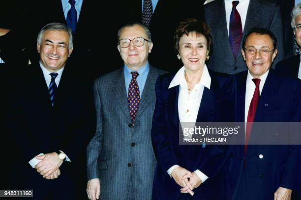 Dominique StraussKahn Jacques Delors Edith Cresson et Michel Rocard lors du déjeuner à Bercy pour l'arrivée de l'Euro le 4 janvier 1999 à Paris France