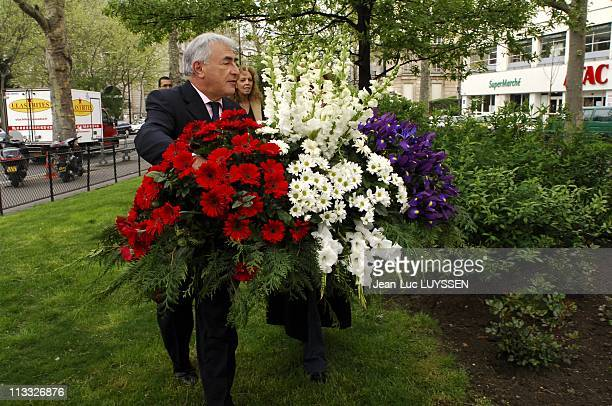 Dominique StraussKahn Lays A Wreath Behind The Statue Of Leon Blum And Takes The Muguet Of 1St May On May 2006 In Paris France Here Dominique...