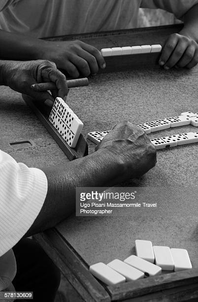 dominoes in cuba - gambling table stock pictures, royalty-free photos & images