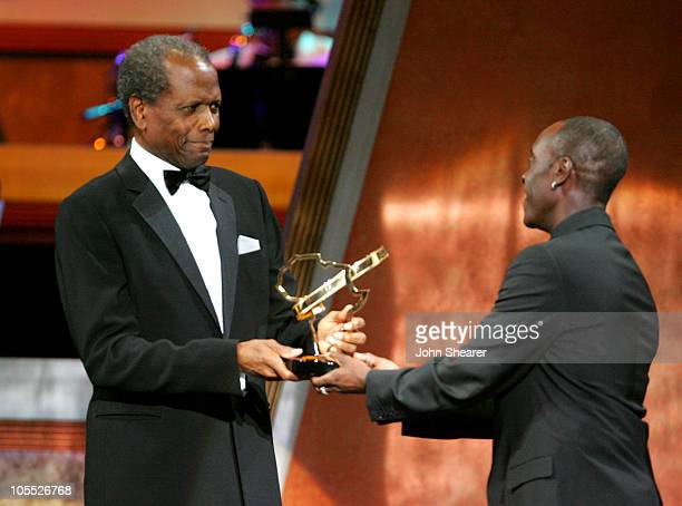 Don Cheadle presents the Distinguished Career Achievement Award to Sidney Poitier 10225_JSh_02050jpg