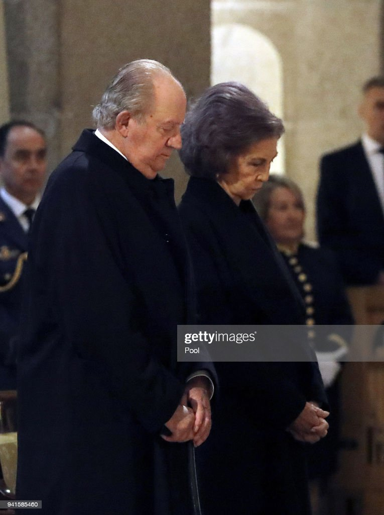 Don Juan Carlos and Dona Sofía attend a Mass marking the 25th anniversary of death of Conde de Barcelona, father of King Juan Carlos, at San Lorenzo del Escorial Monastery on April 3, 2018 in El Escorial, Spain.