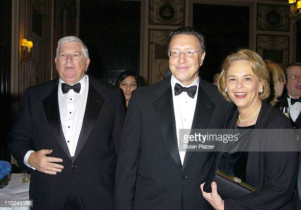 Don Logan Norman Pearlstine and Ann Moore during The Magazine Publishers of America Henry Johnson Fisher Awards Dinner at The Waldorf Astoria Hotel...