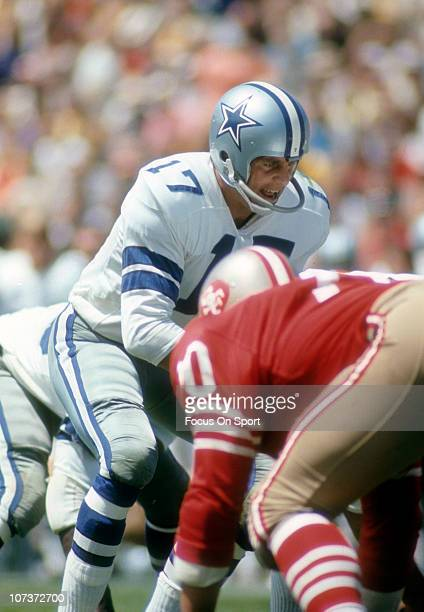 Don Meredith of the Dallas Cowboys stands under center against the San Francisco 49ers during an NFL football game at the Cotton Bowl circa 1966 in...