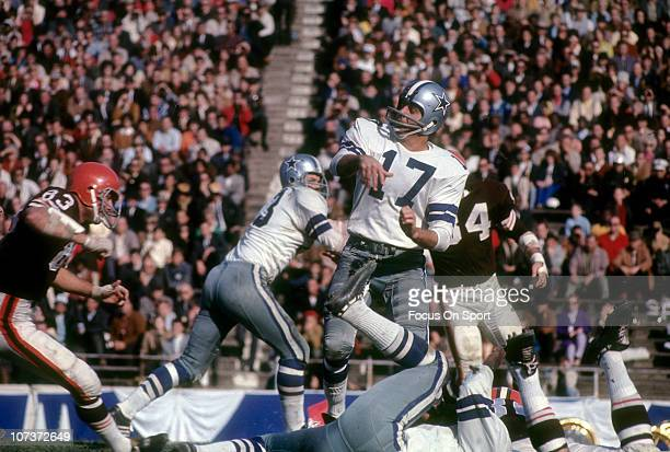 Don Meredith of the Dallas Cowboys throws a pass against the Cleveland Browns during an NFL football game at the Cotton Bowl circa 1967 in Dallas...