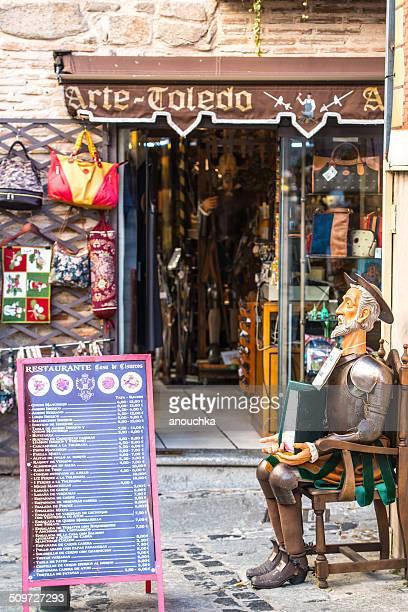 Don quijote retención de menú de restaurante en Toledo, España street