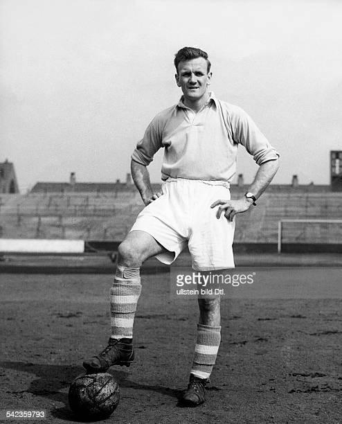 Don Revie von Manchester City zumFussballer des Jahres ernannt 1955