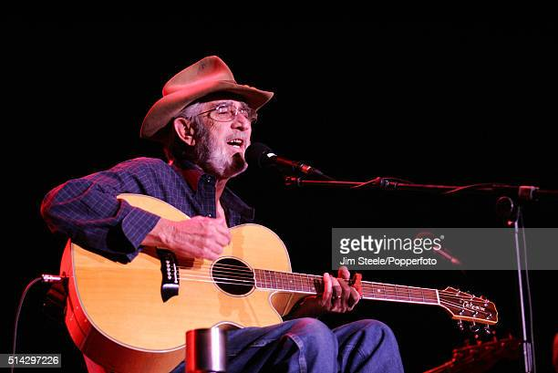 Don Williams in concert at Wembley Arena in London, 26th October 2006.