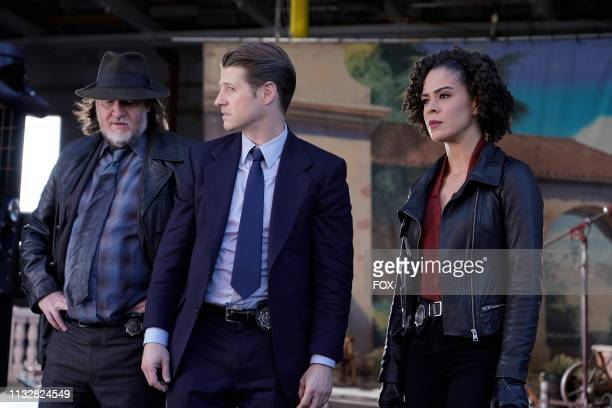 Donal Logue Ben McKenzie and guest star Kelcy Griffin in the Ace Chemicals episode of GOTHAM airing Thursday Feb 21 on FOX