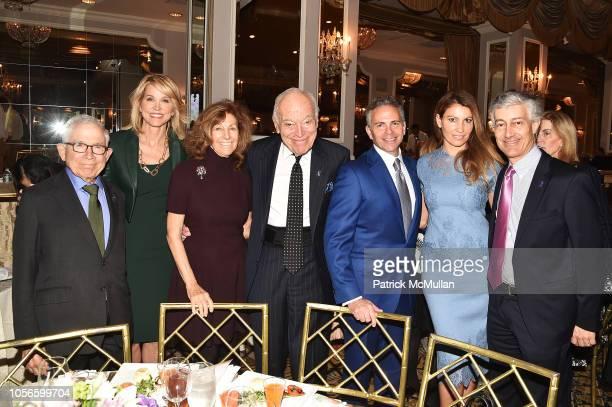 Donald Newhouse Paula Zahn Judy Glickman Lauder Leonard A Lauder David Weinreb Ana Laspetkovski and Gary Lauder attend Alzheimer's Drug Discovery...