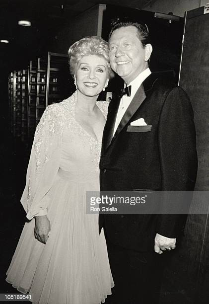 Donald O'Connor Debbie Reynolds during 31st Annual Thalians Ball Honoring Shirley MacLaine at Century Plaza Hotel in Los Angeles California United...