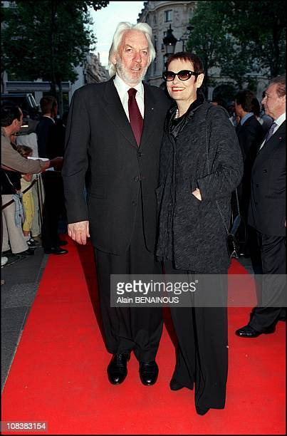 Donald Sutherland and wife in Paris France on September 05 2000