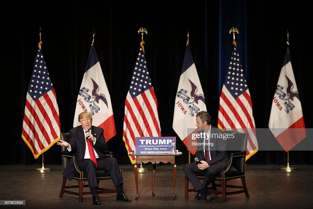 Presidential Candidate Donald Trump Holds Iowa Campaign Rallies : News Photo